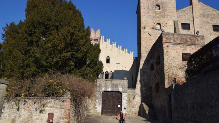 immagine punto di interesse Parco Archeologico sul Colle della Rocca